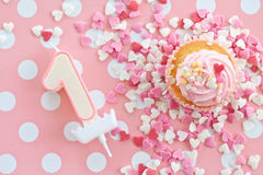 Pouco queque com geada cor-de-rosa Imagens de Stock