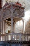 Pouco santuário dentro do basilicxa di Aquileia fotos de stock