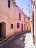 Pouco zurrieq cor-de-rosa malta da rua foto de stock