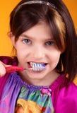 Poucos dentes de escovadela do tween Imagem de Stock Royalty Free