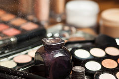 Poudre chère de maquillage Photo stock