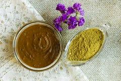 Poudre de henné Pâte de henné Préparez la pâte de henné à la maison image libre de droits