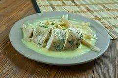 Poulet avec de la sauce à vin de Marsala de Mascarpone de moutarde image libre de droits