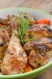Poulet cuit au four avec le thym photos stock