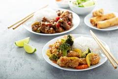 Poulet doux et aigre avec des légumes photo stock