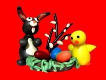 Poulet et oeufs de lapin de Pâques Photos stock