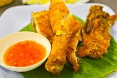 Poulet frit avec de la sauce à /poivron Images stock