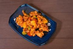 Poulet frit avec la nourriture thaïlandaise délicieuse douce et aigre images stock