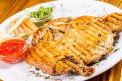 Poulet grillé Cuisine géorgienne Photo stock