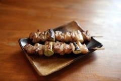 Poulet japonais Yakitori de nourriture grillé Photos libres de droits