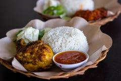 Poulet rôti avec la sauce de soja et poulet Rujak Images stock