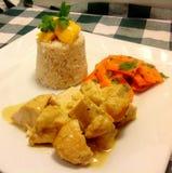 Poulet thaïlandais de noix de coco avec du riz Photos libres de droits