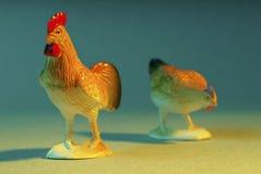 Poulets en plastique Photos stock