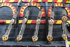 Poulie et corde photographie stock libre de droits