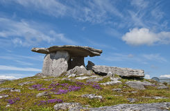 Poulnabrone dolmen. The Poulnabrone Dolmen, one of the finest remaining dolmans in Ireland. 5000 year old Stock Photos