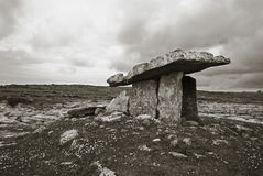 Poulnabrone Dolmen, Clare, Irland Stockfotos