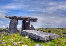 Poulnabrone-Dolmengrab, das Burren, Irland stockfoto