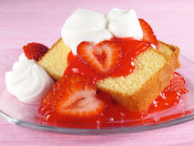 Pound Cake, Strawberries, & Cream Stock Photos