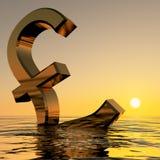 Pound, das in den Ozean sinkt Stockfotografie