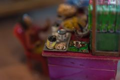 Poupée asiatique d'argile avec le modèle antique de mode de vie photo libre de droits