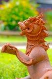 Poupée de lion dans le temple, Thaïlande. Photos stock