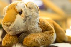 Poupée de lion en vente Photos libres de droits