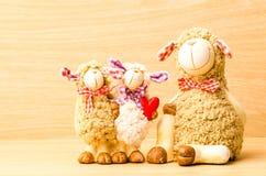 Poupée de moutons de famille Images stock