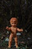Poupée effrayante Mauvais traitement à enfant Scène criminelle photographie stock libre de droits