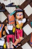 Poupée en bois peinte de marionnette du chiffre de Pinocchio Image stock