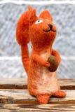 Poupée mignonne d'écureuil de laine Photographie stock libre de droits