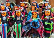 Poupées chez mercado de las brujas en Bolivie Photographie stock libre de droits