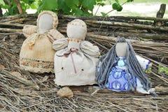 Poupées de chiffon faites main traditionnelles. Photographie stock