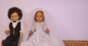 Poupées de jeunes mariés clips vidéos