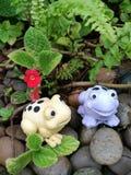 Poupées en céramique de grenouille Photo libre de droits