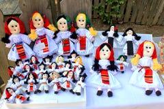 Poupées faites main roumaines Images stock