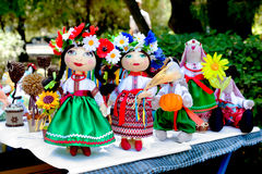 Poupées ukrainiennes de jouet de Cosaque photos stock