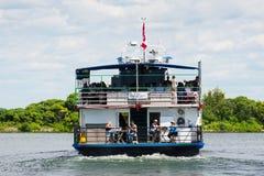 Poupe d'un bateau de croisière de lac Image stock