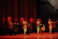 Pour assister à l'acte d'invités-Le de mariage d'abord des événements de drame-Shawan de danse du passé Image libre de droits