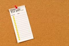 Pour faire la liste avec des checkboxes goupillés aux babillards de liège Images libres de droits