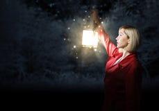 Pour l'aide regardant le femme Photographie stock libre de droits