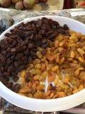 Pourpre et raisins secs d'or Image libre de droits