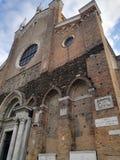 Pousse d'église dans Campo S S Giovanni e Paolo à Venise photos stock
