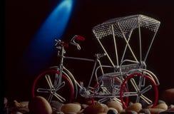 Pousse-pousse de cycle miniature photos libres de droits