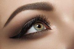 Pousse noire de beauté d'eye-liner Image libre de droits