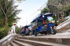 Pousse-pousse automatique (tuk-tuk) dans Luang Prabang (Laos) Photo stock