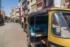 Pousse-pousse Tuk Tuks dans Udaipur, Inde Image stock