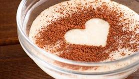 Poussières abrasives avec du cacao Photographie stock libre de droits
