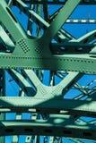 Poutrelles et membres du pont en acier Photographie stock libre de droits