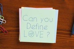 Pouvez vous définir l'amour écrit sur une note Photo stock