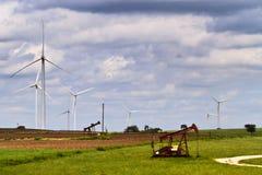 Pouvoir de vent et de pétrole Image libre de droits